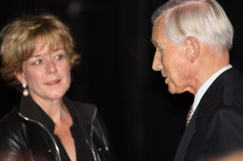 rechts Ben Bot, voormalig ambassadeur in de DDR en links Annette Birschel die hem interviewde
