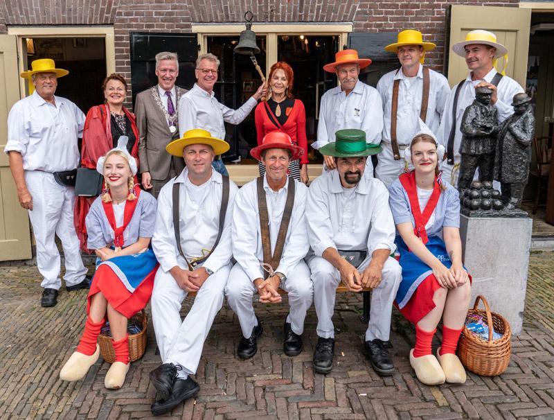 De Kaasmarkt openen in Alkmaar